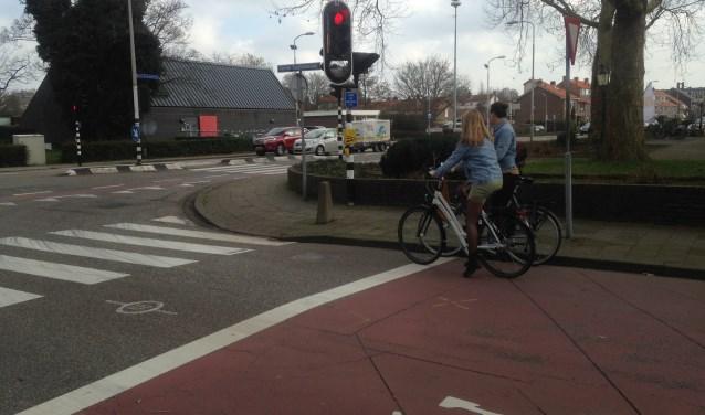 Een ernstig ongeluk bij de kruising van de Eerste Stationsstraat met de Karel Doormanlaan/Oranjelaan op 27 februari heeft de roep om noodmaatregelen doen toenemen. Tekst en foto's: Peter Zoetmulder / Postiljon
