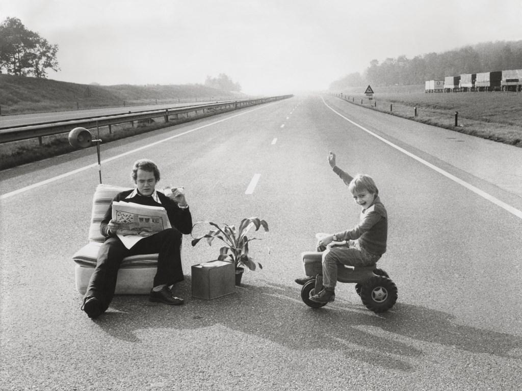 Autoloze zondag, 1973. Beeld uit de tentoonstelling 'Dit zijn wij!'. De tijd waarin je opgroeit bepaalt voor een groot gedeelte je blik op de wereld nu. Foto: Spaarnestad Photo