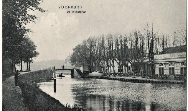 De oefeningen werden ondermeer gehouden bij de Wijkerbrug en langs de Vliet (archieffoto).