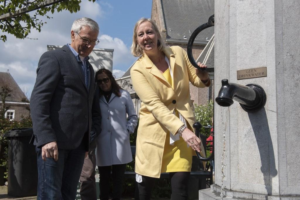 Wethouder Astrid van Eekelen opent het (60e) Mooi Voorburg-jaar (foto: Michel Groen). Michel Groen © Het Krantje