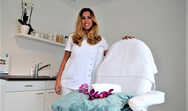 Sinds oktober behandelt Diane haar clientèle in haar eigen schoonheidssalon in wijkcentrum Essesteijn (foto: Inge Koot).