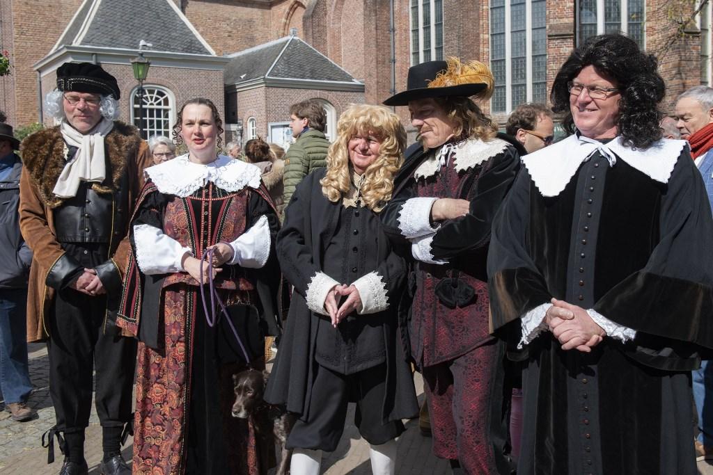 Historische figuren in het Huijgenskwartier te Voorburg (foto: Michel Groen). Michel Groen © Het Krantje