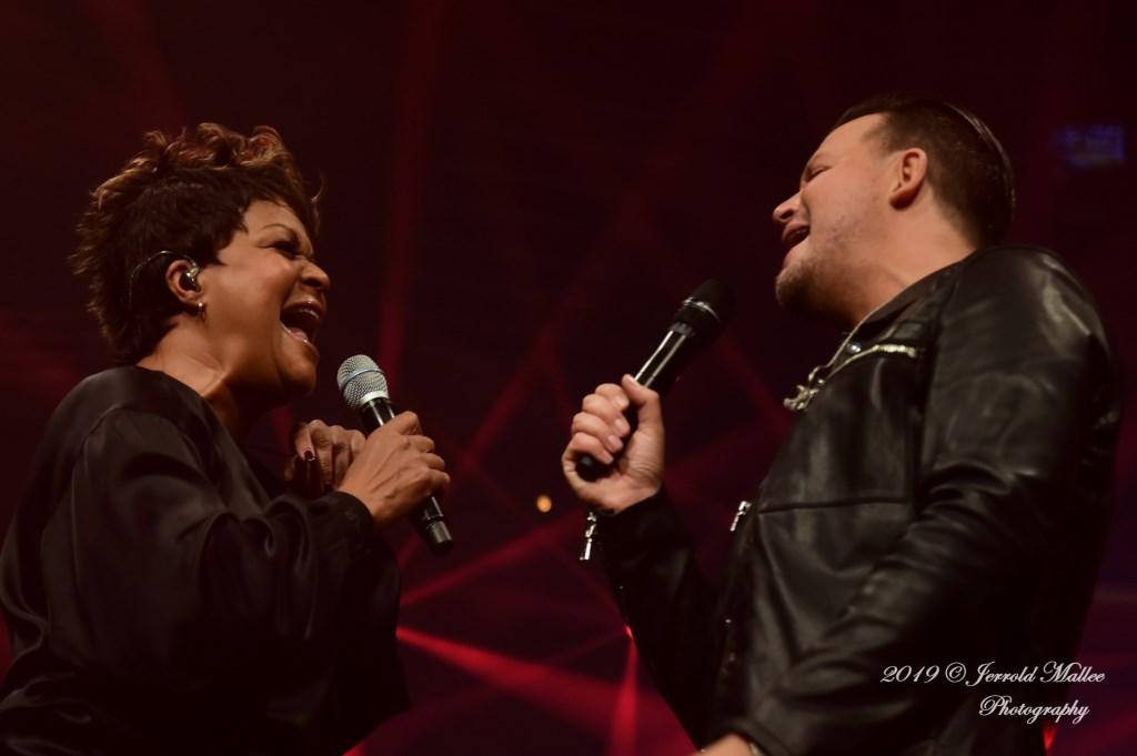 Ruth Jacott in duet met Mike Peterson. JERROLD-MALLEE © Postiljon