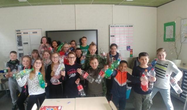 De kinderen van groep 7 zijn een inzamelingsactie van flessen begonnen. Foto: pr