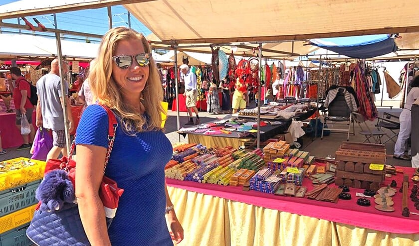 Leuke kraampjes met vele snuisterijen op de Pasar Mundial bij de Silverdome in Zoetermeer (foto: Peter Thijssen).