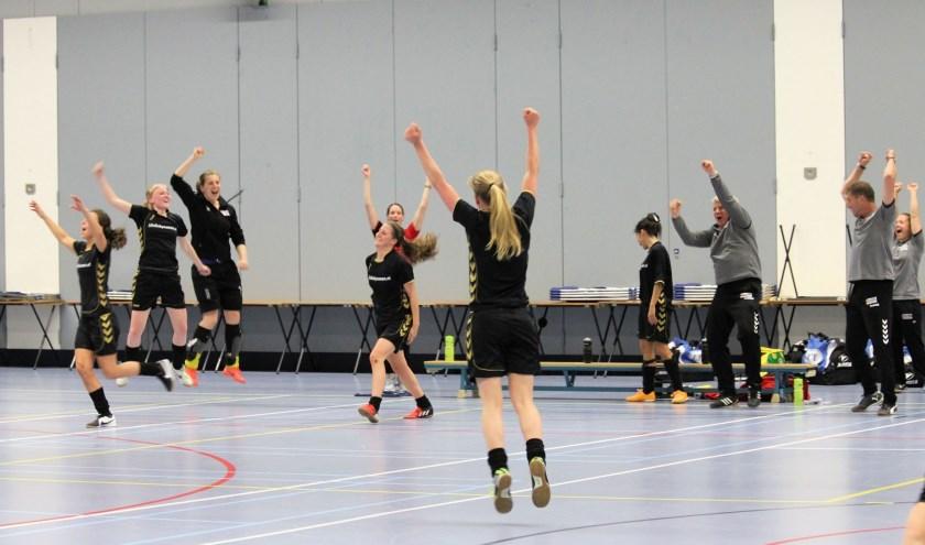 Mazzelstars vrouwen 1 speelt maandag 13 mei de bekerfinale zaalvoetbal (regio west 2). Foto: pr
