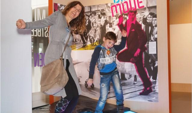 Plezier voor alle generaties in de tentoonstelling 'Dit zijn wij!' in familiemuseum De Voorde. Foto: Museum De Voorde