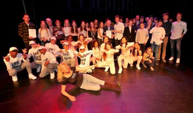 De deelnemers aan de Slotavond van het Open Podium van Talentenloods (foto: Ot Douwes).