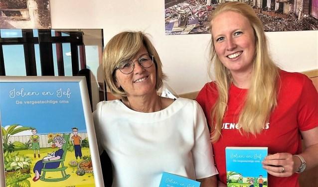 Schrijfster van het boekje Jolanda Zuydgeest met haar dochter Jennifer, die de illustraties verzorgde (foto: pr).