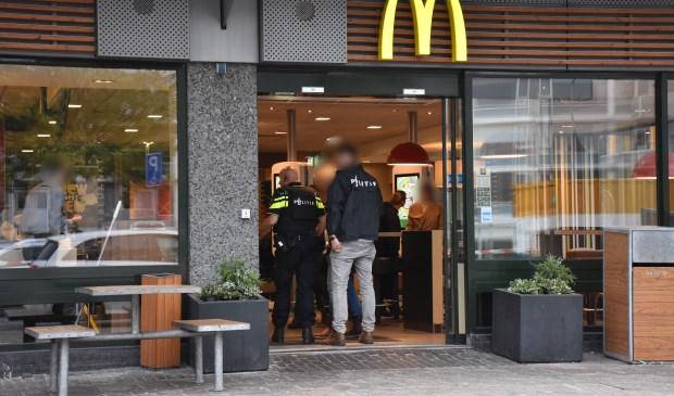 De politie startte na de poging tot overval direct met een onderzoek (foto: Sebastiaan Barel / Regio15).
