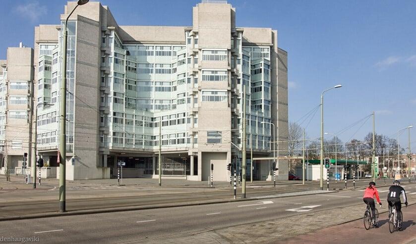 Het voormalige Ministerie van Sociale Zaken en Werkgelegenheid aan de laan van NOI.