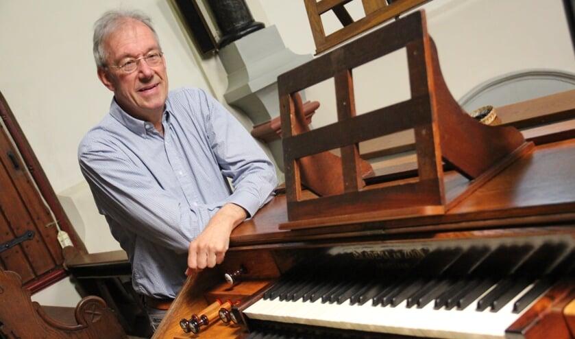 Ed van Aken is helemaal happy met het gerestaureerde orgel dat 120 jaar oud is en een Rijksmonument.
