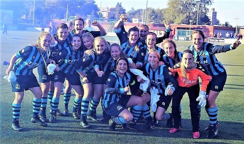 Forum Sport Vrouwen is komend seizoen derdeklasser (foto: E.v.d.Linden).