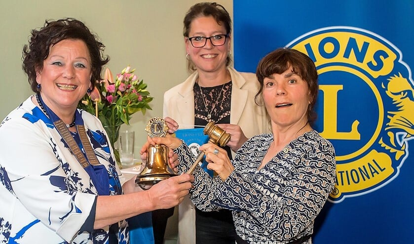 President Marianne Knijnenburg, Nicole de Groot-Budé en president 2019-2020 Gertrude Borsboom (foto Floris Heukensfeldt Jansen).