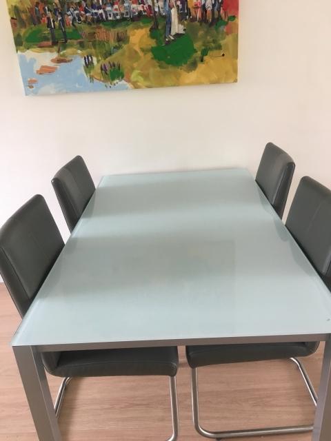 Te Koop Eettafel 4 Stoelen.Eetkamertafel Design 4 Personen Marktplein