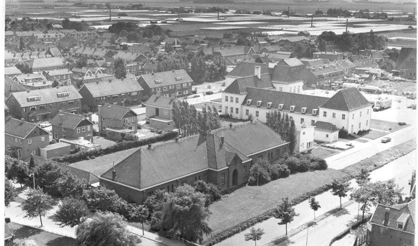 Mariaschool vanaf kerktoren ca. 1963