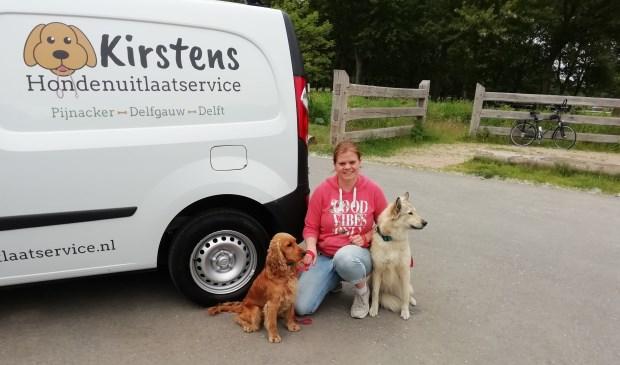 Kirsten Hazeu met haar eigen hond Zimba (rechts).