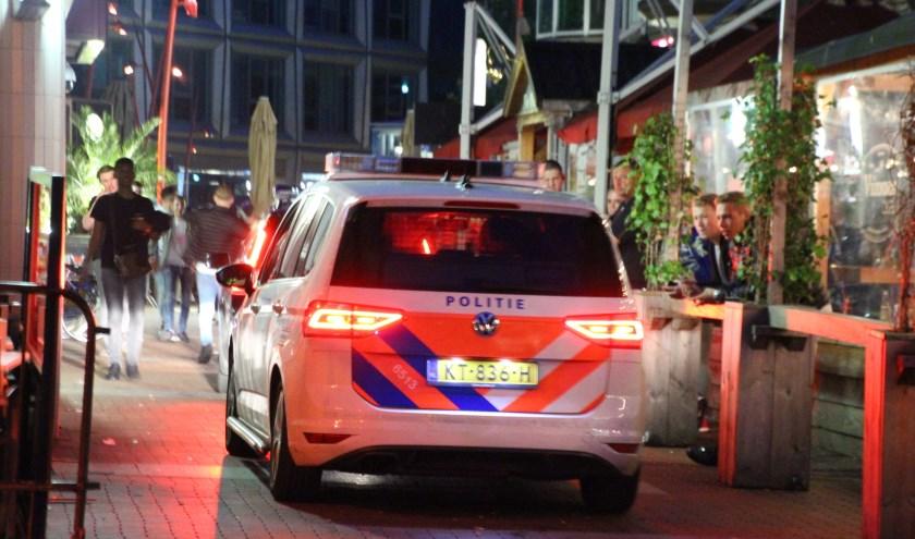 Een onrustige uitgaansnacht in het Stadscentrum leidde zaterdagavond laat tot grote politie inzet. Foto: Regio15.nl