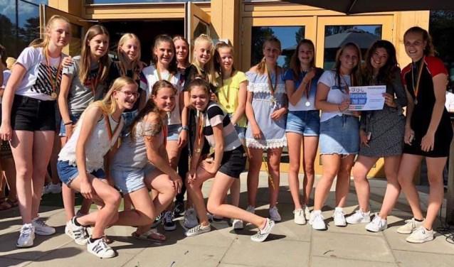 De trotse meisjes van MC5. Foto: pr