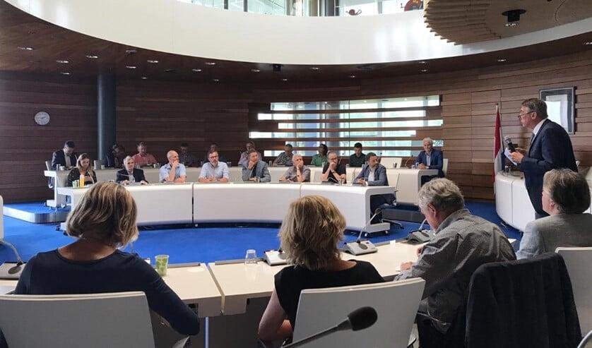 Wethouder Albert Abee van Lansingerland aan het woord tijdens de presentatie van de verkenning. (Foto: Twitter/@Abee_Albert)