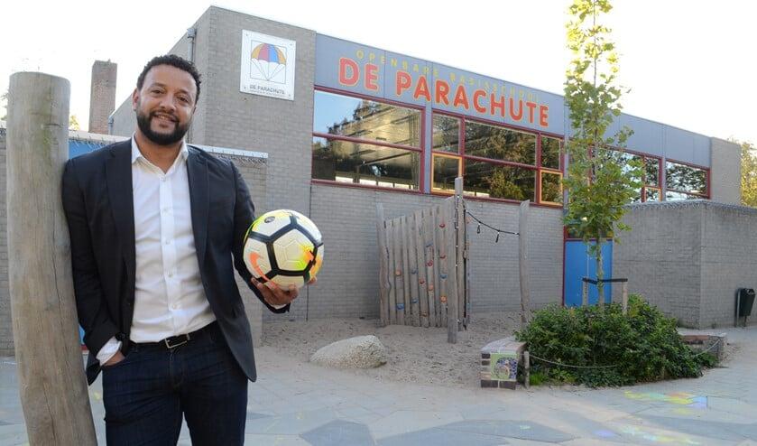 D66-raadslid Mahjoub Mathlouti wil weten of er een lerarentekort is in Leidschendam-Voorburg (Foto: Inge Koot)