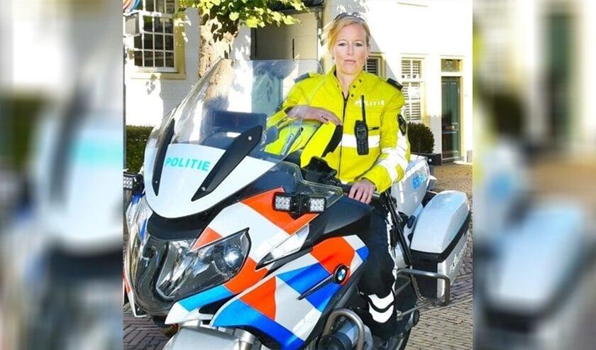 Wijkagente Mirjam van der Zee is zeer onverwachts op 4 juli op 39-jarige leeftijd overleden (Foto: politie LV).