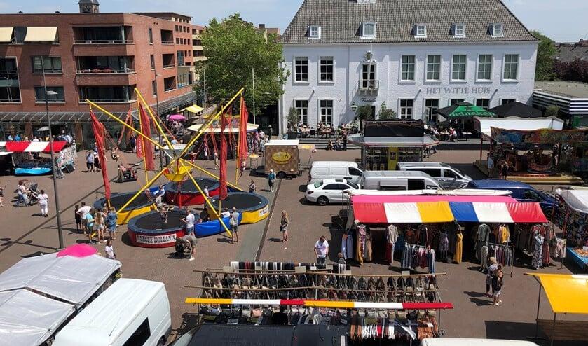 Jong en oud konden zich twee dagen lang gezellig vermaken op en rond het plein. (foto: Martijn Mastenbroek)
