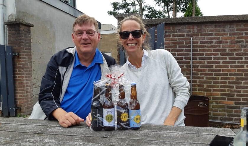Anouk Wensveen kreeg een paar lekkere biertjes van de politicus.