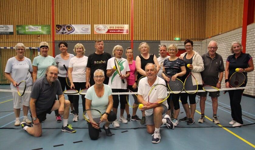 Deze Dynamic Tennissers zijn nog helemaal bij. Tijdens de Wereld Alzheimer Week houdt Dynamic Tennis Open Huis.