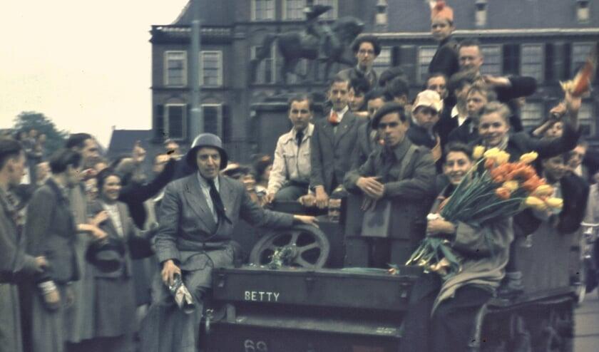 De bevrijding van Den Haag op 8 mei 1945. Foto: Wim Berssenbrugge (collectie Haags Historisch Museum)