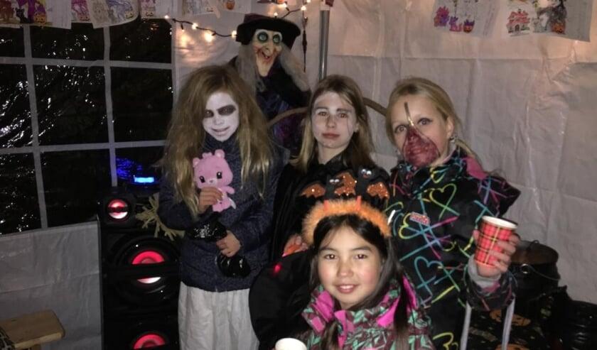<p>Ondanks de afgelasting toch angstaanjagende groeten en een griezelig Halloween 2020 gewenst! Foto's: pr<br><br></p>
