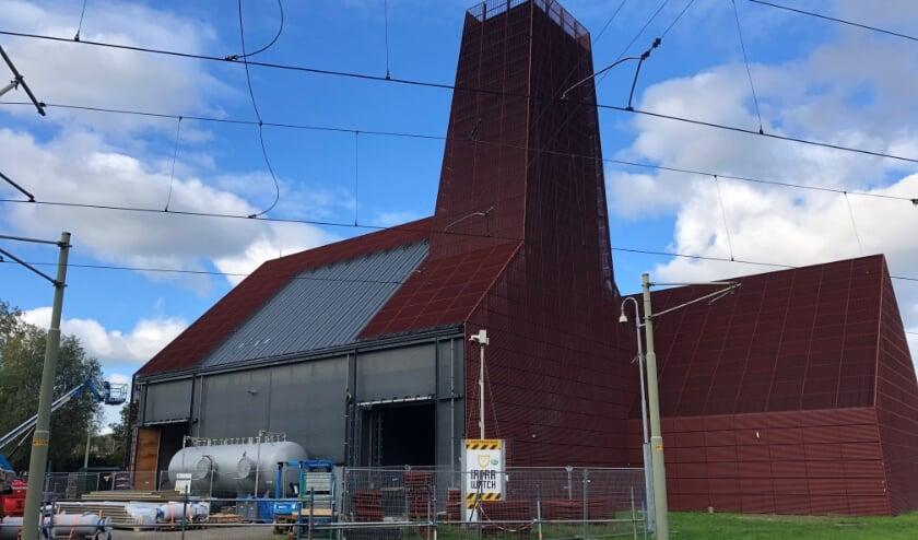 <p>Voorbeeld van duurzaam Den Haag: de Haagse Aardwarmte Leyweg (HAL) centrale gaat aardwarmte (geothermie) produceren voor de verduurzaming in Den Haag Zuidwest. Foto: Peter Zoetmulder</p>