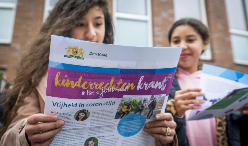 <p>De Haagse Kinderrechtenkrant 2020 is verschenen. Foto: Valerie Kuypers<br><br></p>