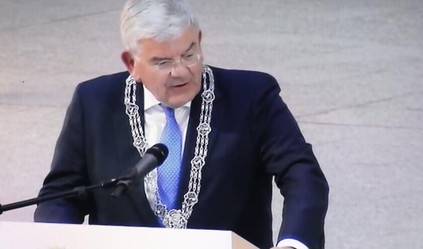 Op 1 juli is Jan van Zanen beëdigd als burgemeester van Den Haag. 'Voor u, Hagenaars en Hagenezen, ga ik graag aan het werk.' Foto: Jan van Es