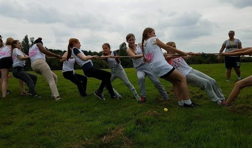 Naast sportclinics wordt iedere woensdagmiddag bij wijkcentrum 't Plekkie in Leidschenveen en bij wijkcentrum de Yp in Ypenburg tienersport aangeboden. Foto: pr