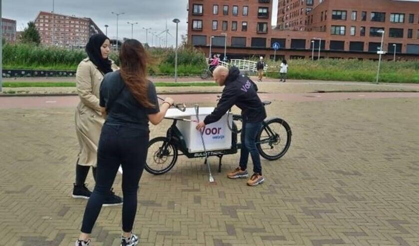 <p>Den Haag doet mee en plakt er de &#39;Actieweek schone buurt&#39; aan vast, ook in Leidschenveen-Ypenburg. Foto: pr</p>