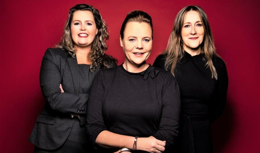 <p>Chantal van den Berg, Zany Hoogendijk en Monique Bloos van ONNA letselschade. Foto: pr</p>