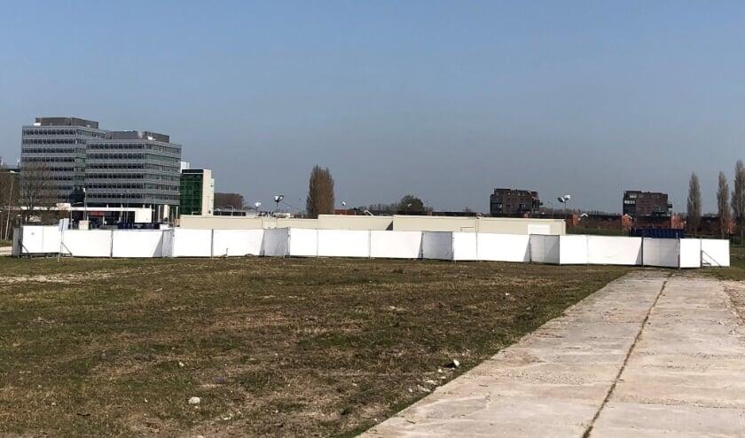 <p>De corona-zorglocatie voor dak- en thuislozen aan de Henri Faasdreef in Leidschenveen wordt nog steeds gebruikt.<br>Foto: Peter Zoetmulder</p>