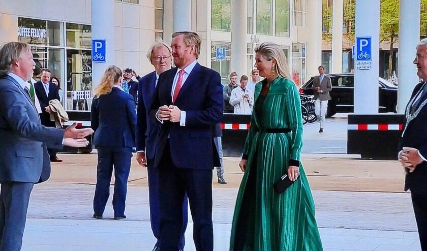 Koning Willem-Alexander en koningin máxima waren aanwezig bij de overdracht. (Tekst en foto: Jan van Es)