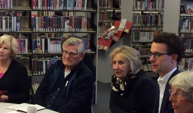 Wethouder Martijn van der Putten leidde het debat over het boek Ik, Robot van Asimov.