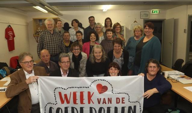 Jan-Hein de Wit (eerste rij links) en de coördinatoren van de collecte. Foto: Henk Lammen