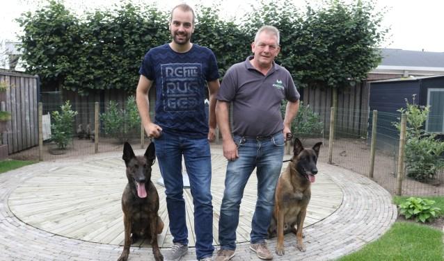 Ivo Janssen (links) en Henk van Rooij gaan naar het NK politiehonden.