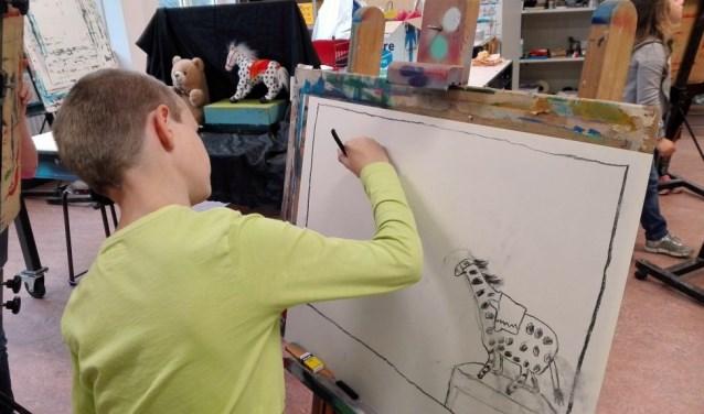 Kinderen kunnen in Jerusalem een teken- en schildercursus volgen.