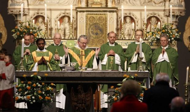 Harrie Smeets wordt op 8 december gewijd tot bisschop. Afgelopen zondag nam hij afscheid van Venray. Foto: Rikus ten Brucke
