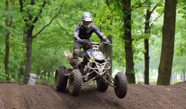 Daan van Rijswijck uit Oirlo behaalde de dagzege bij de quads nationalen. Foto: Maycel de Bruijn.