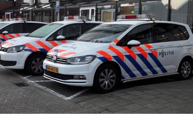 De politie deed dinsdagavond invallen in meerdere woningen in Venray. Foto: archief Peel en Maas.