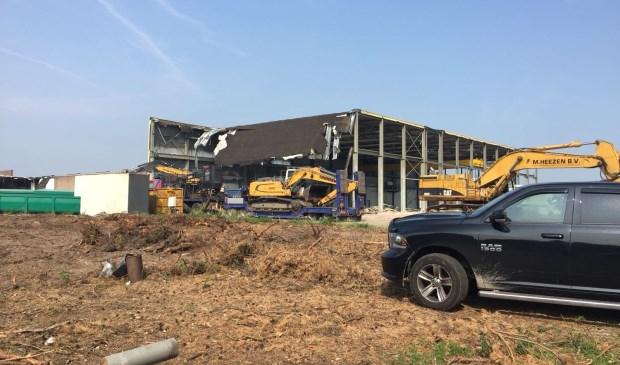 De sloop van de voormalige fabriek van Inalfa is begonnen.