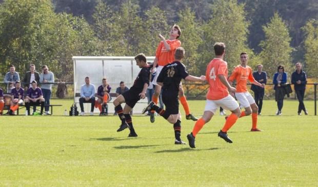 Leunen bond zondagmiddag Sporting ST aan de zegekar: 0-2. Foto: Jolijn van Goch.
