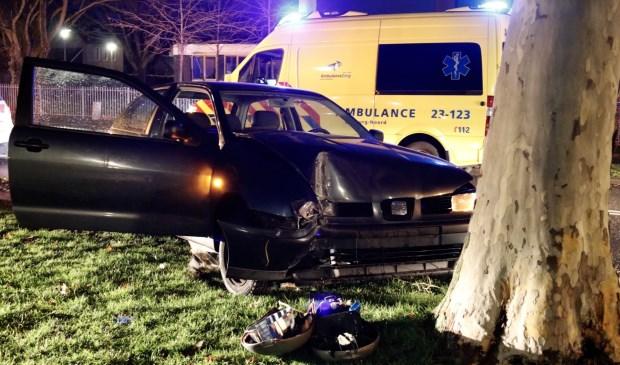 De auto raakte zwaar beschadigd. Foto: SK-Media.