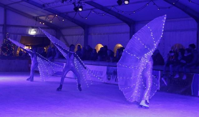 Sfeerfoto gemaakt tijdens de opening van de schaatsbaan. Foto: Rikus ten Brücke